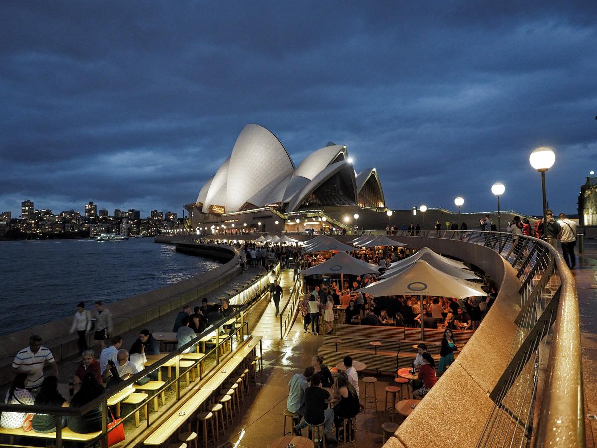 Blue Hour, Sydney Opera House. Olympus OM-D EM1, 12-49mm f2.8, 12mm @ f2.8, ISO 1600, 1/13sec handheld.